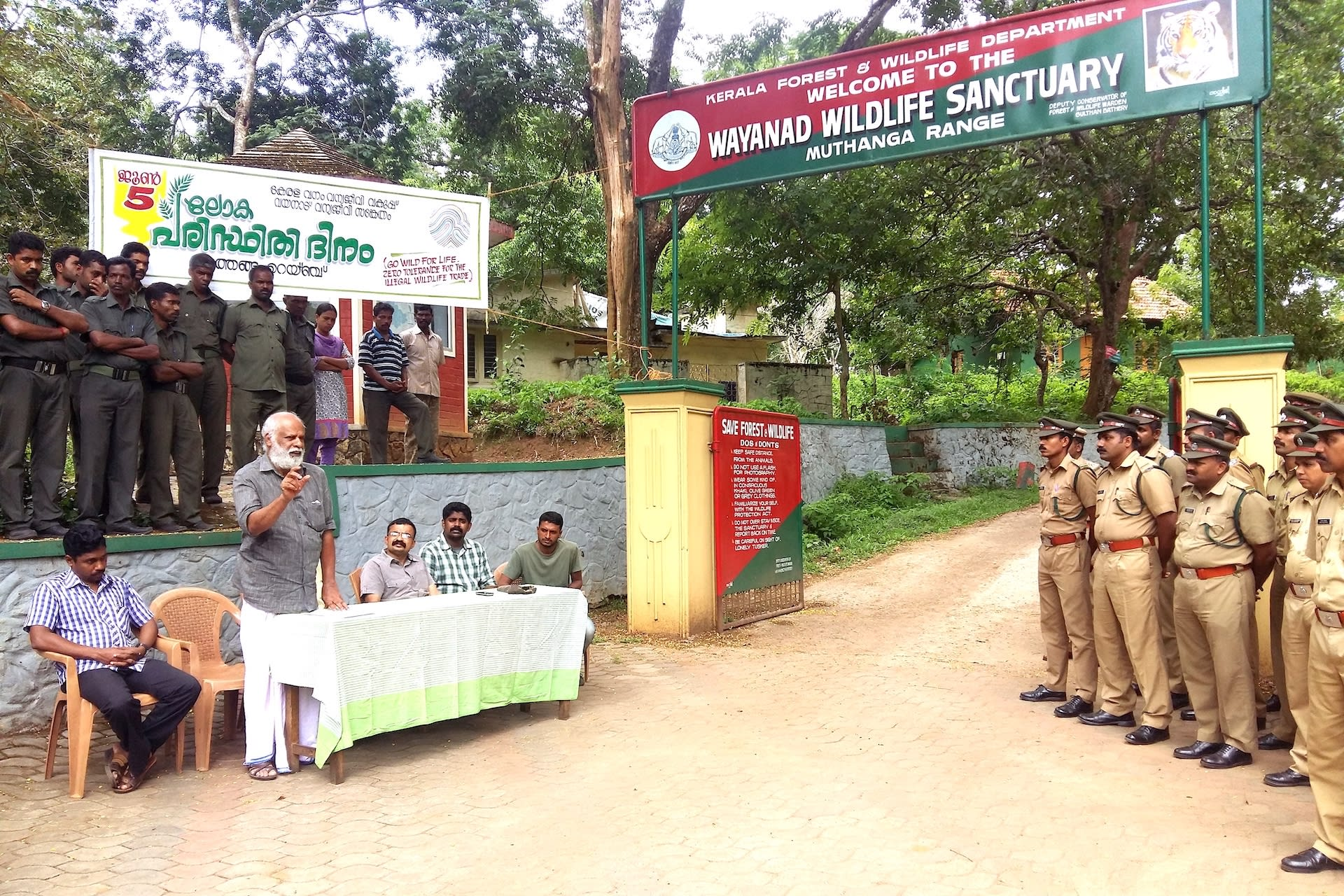 Photo of Badusha addressing forest officers at an awareness camp to mitigate human-elephant conflict held at the Muthanga range of the Wayanad Wildlife Sanctuary in 2015.
