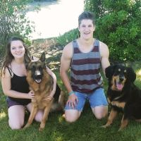 pet sitter Ryan & Kady