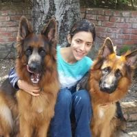 dog walker Fatima
