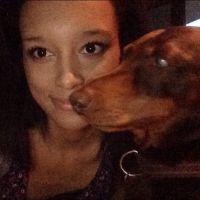 dog walker Arielle