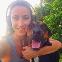 dog walker Roselle