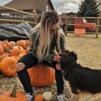 dog walker Alisa