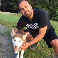 dog walker Jose A.