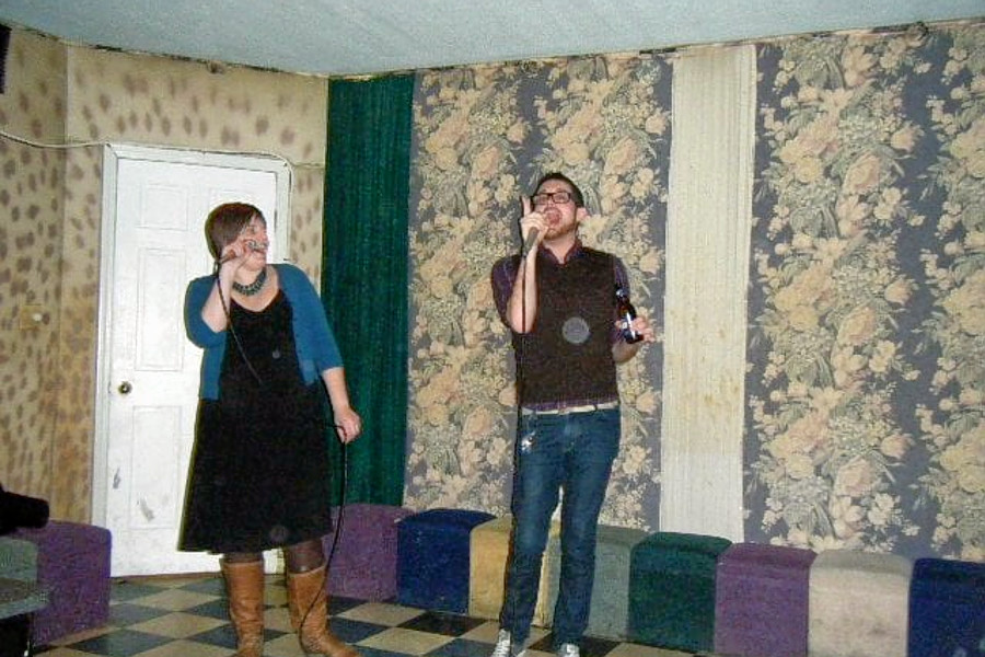 o Hitting The Right Notes: Chicagos Top 4 Spots For Karaoke