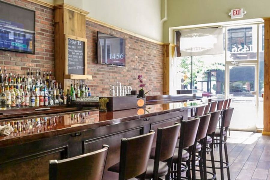 o Bottoms Up: The 3 Best Whiskey Bars To Check Out In Detroit
