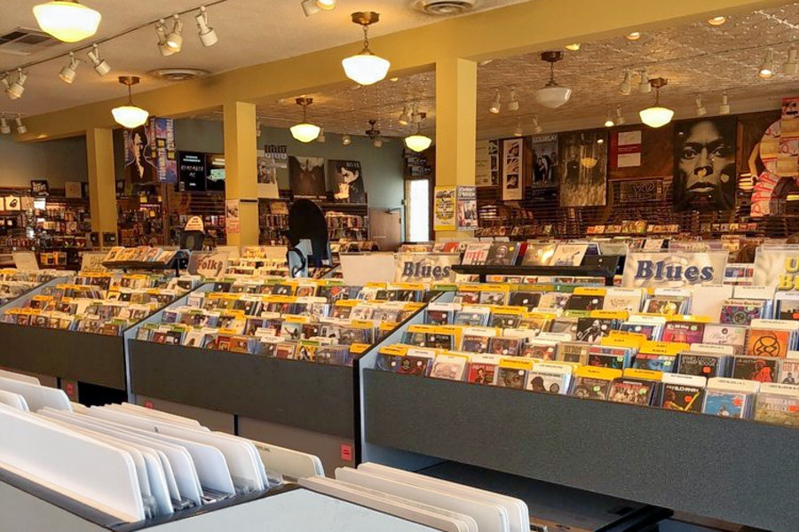 o Top 3 Stores For Vinyl Enthusiasts In Minneapolis