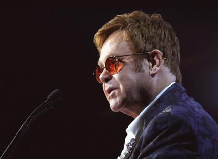 Elton John cancels Vegas show for weeks due to illness