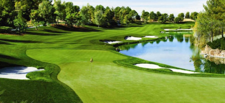 Hit the Links at One of These Great Golf Courses in Las Vegas