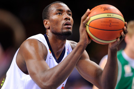 Serge protector: Raptors land big piece in Ibaka