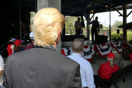 Trump rally brings crowd to Mandeville