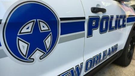 Man shot in shoulder while driving on I-10