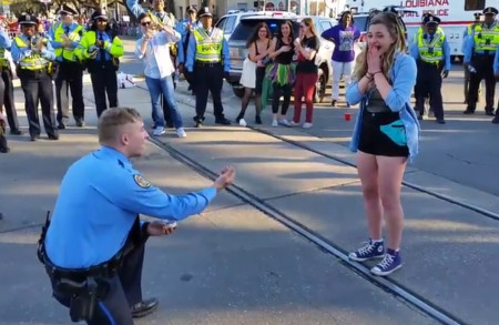 Video shows NOPD officer propose on parade route