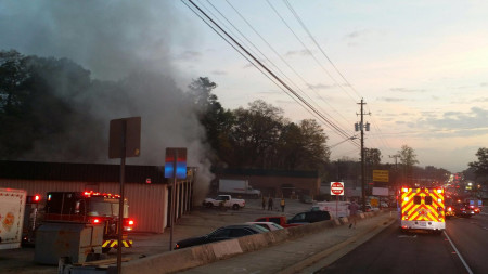 Fire at auto shop shuts down Buford Highway