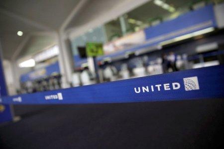 Teens wearing leggings refused from United Airlines flight