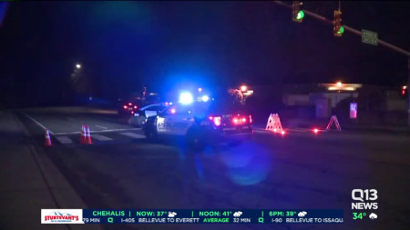 Driver killed after crashing into utility pole in Kirkland