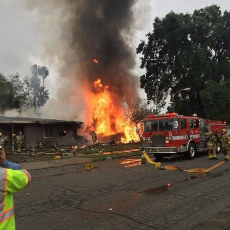 4 dead after small plane crashes into Southern California homes