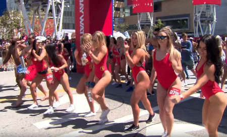 'Baywatch' hosts slow motion 'marathon' in Los Angeles