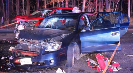 4 Injured During Head-On Crash in Sandwich