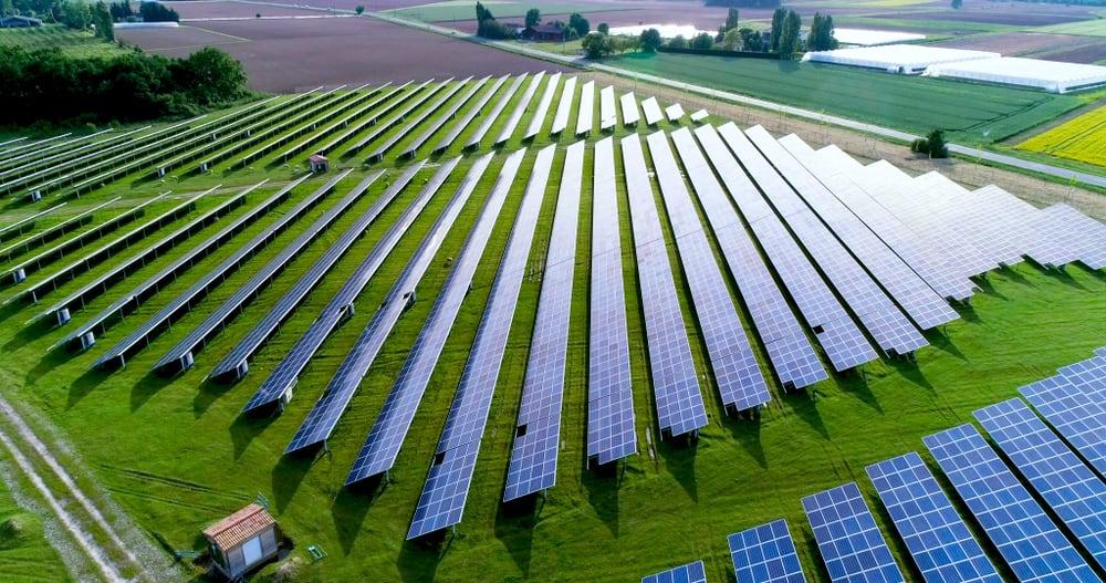 Solar array field