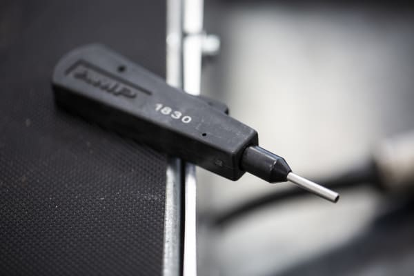 Product image for AMP MATE-N-LOK EXTRACTION TOOL 24/18 AWG