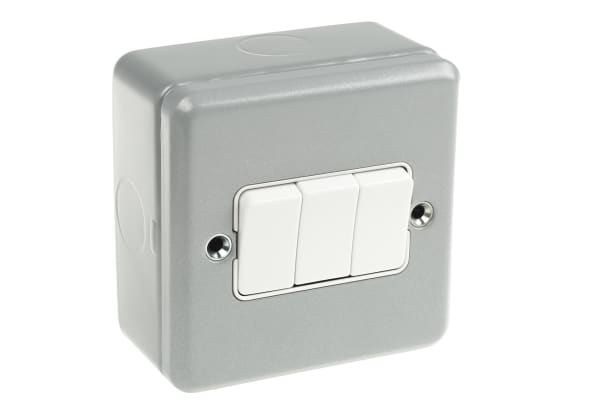 Product image for 10A SWITCH 3 GANG 2 WAY METALCLAD