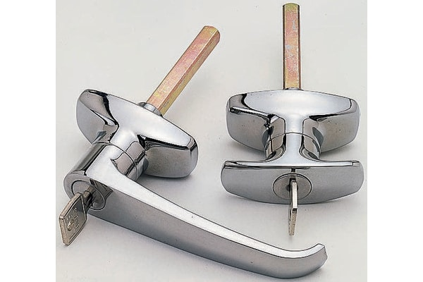 Product image for LOCKABLE CHROME PLATE L HANDLE W/SPINDLE