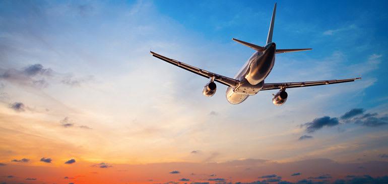 plane_at_sunset.jpg