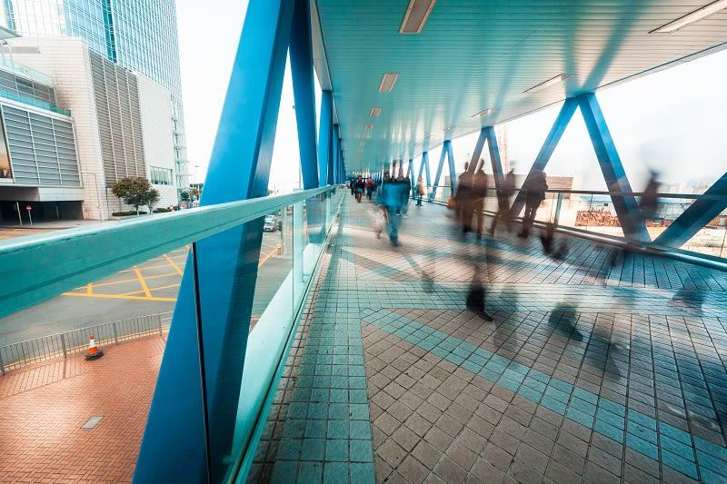 public://media/Stock photos 800 width/people_on_walkway.jpg