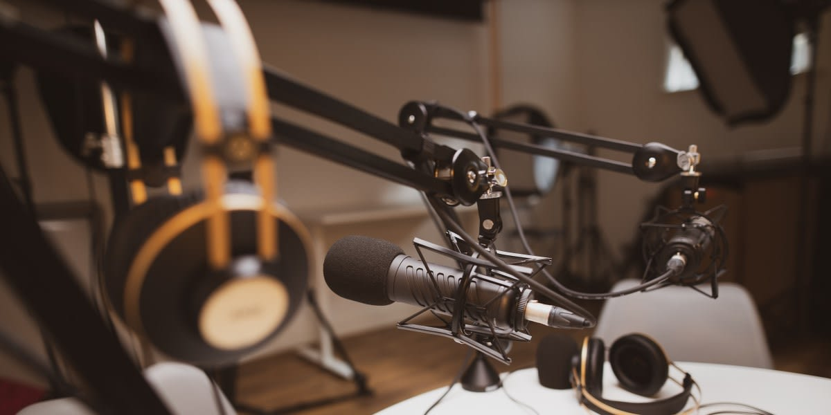 picture of podcasting gear