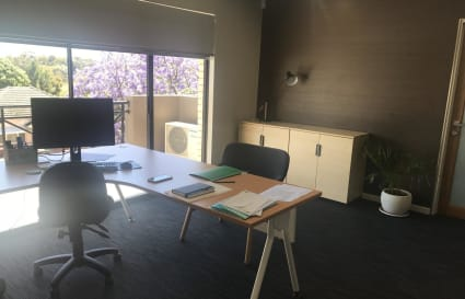 Private Office for 6 + Boardroom
