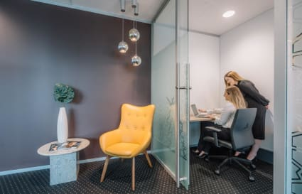 Executive 1 Person Officespace