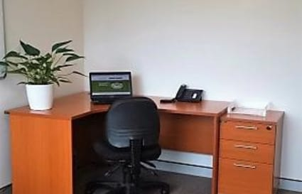Co-Working / Hot Desking Available