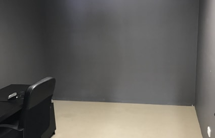 Therapy room / office space