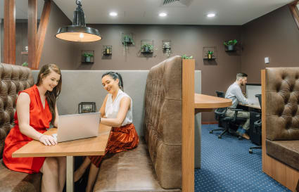 Hot Desk | Business hour access