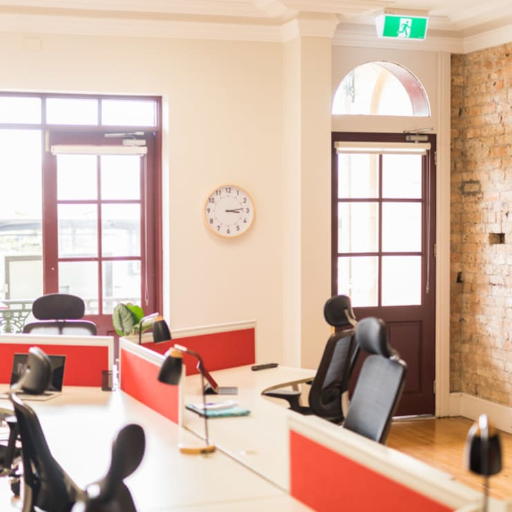 8 co-working desks, in private heritage, street front terrace, Manly harbourside.