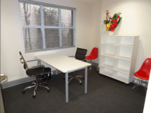Desks for rent 246 Pacific Highway Crows Nest, NSW