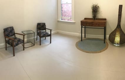 Spacious & Quiet Practitioner Room