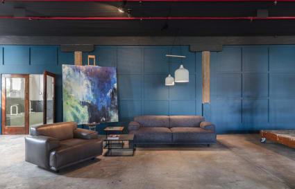Open plan stunning warehouse style