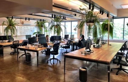 Darlinghurst office desk space rent