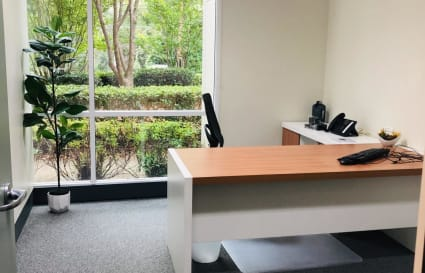 Consulting Room / Office: Suite All