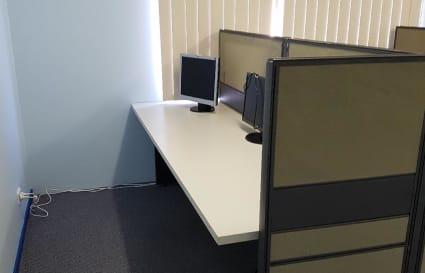 4 Workstation Desks