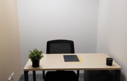 1 Person internal private office