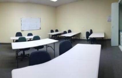 4 Professional Meeting Rooms