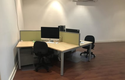 1 person desk in the heart of CBD