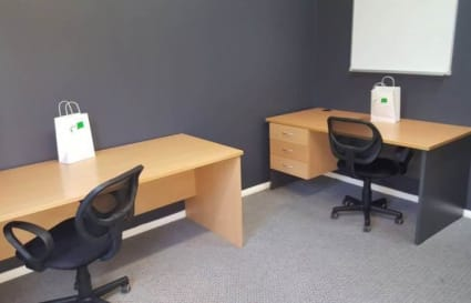 Desk space for 4 in Hobart