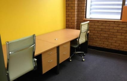 Desk space for 1 in Miranda