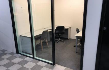 $395/week office for 3 people