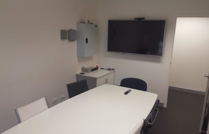 Corporate Meeting Room 4-6 people