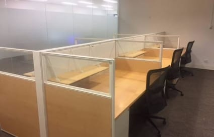 Private office for 6 with boardroom