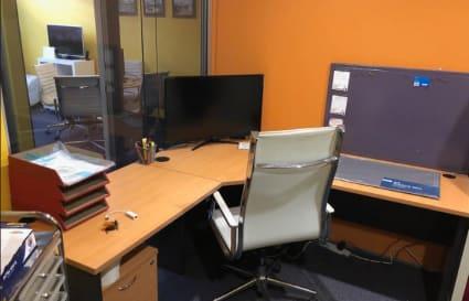Permanent desk in Miranda